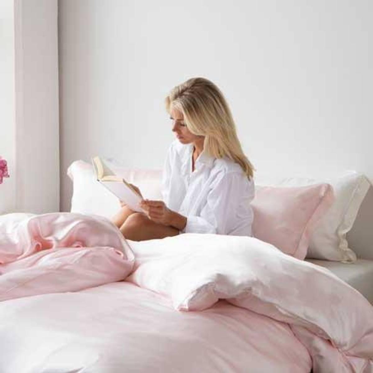 Sengesett i silke - lys rosa