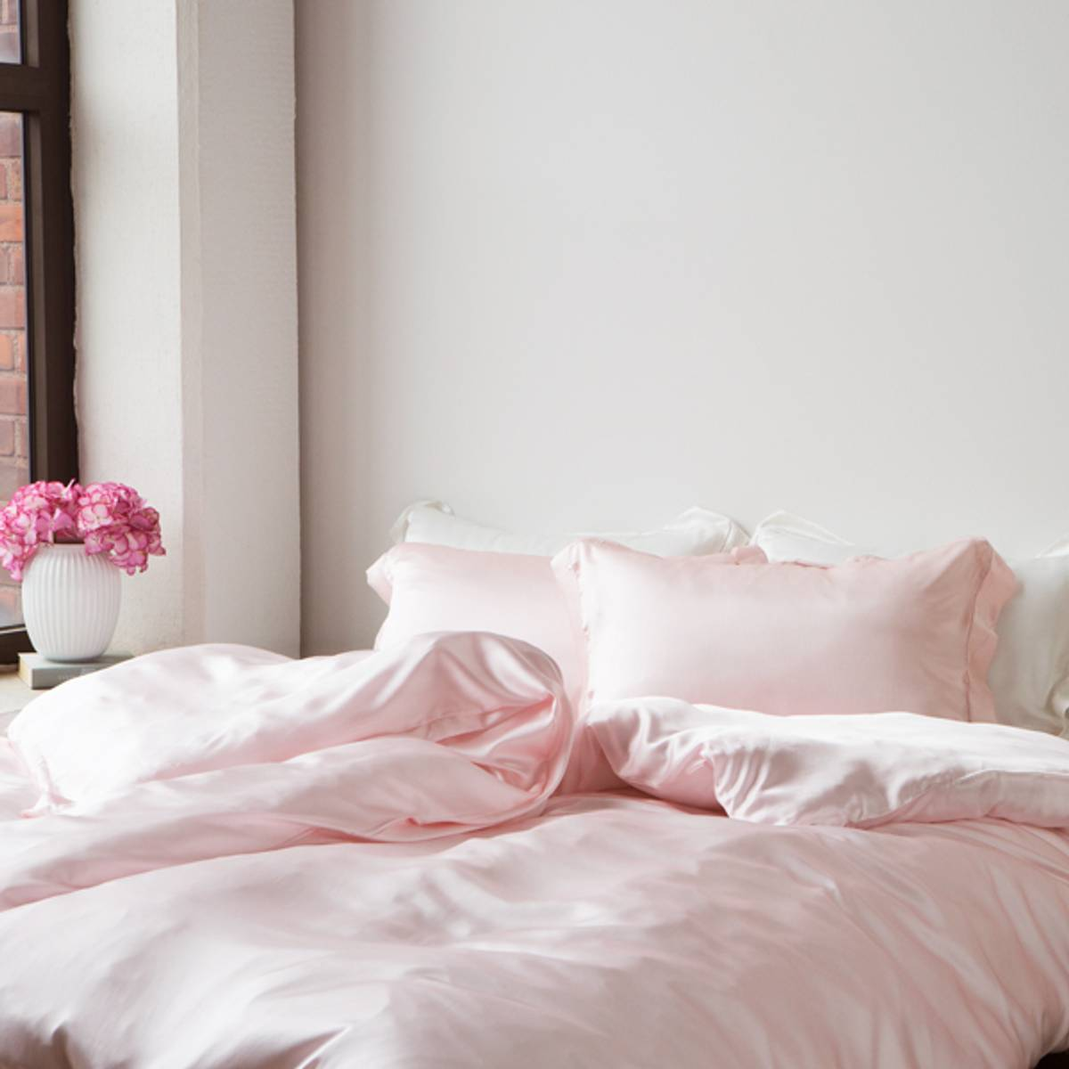 Dynetrekk i silke- lys rosa